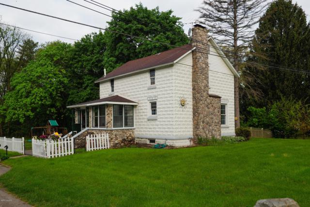 814 S Lagrave Street, Paw Paw, MI 49079 (MLS #19022785) :: Matt Mulder Home Selling Team