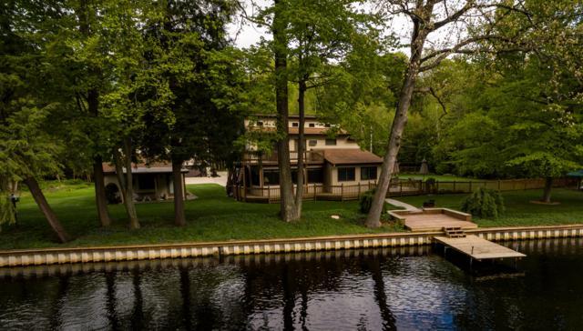 4595 S Croton-Hardy Drive, Newaygo, MI 49337 (MLS #19022796) :: Matt Mulder Home Selling Team