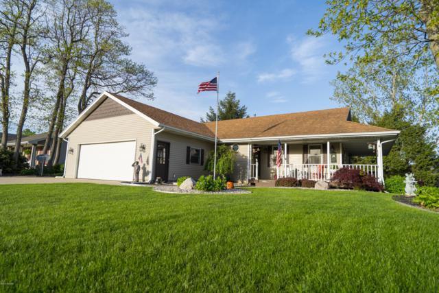 7460 Woodside Drive, Hudsonville, MI 49426 (MLS #19022847) :: Matt Mulder Home Selling Team