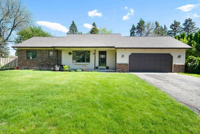 2758 Woodpath Drive NW, Grand Rapids, MI 49504 (MLS #19022873) :: JH Realty Partners