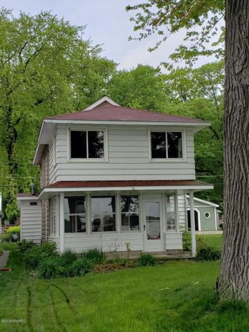 11305 Ullrey Drive, Vicksburg, MI 49097 (MLS #19022892) :: Matt Mulder Home Selling Team