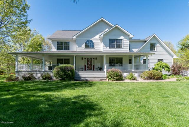 31222 52nd Avenue, Paw Paw, MI 49079 (MLS #19022921) :: Matt Mulder Home Selling Team