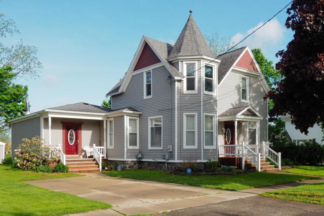 219 N Gremps Street, Paw Paw, MI 49079 (MLS #19022980) :: Matt Mulder Home Selling Team
