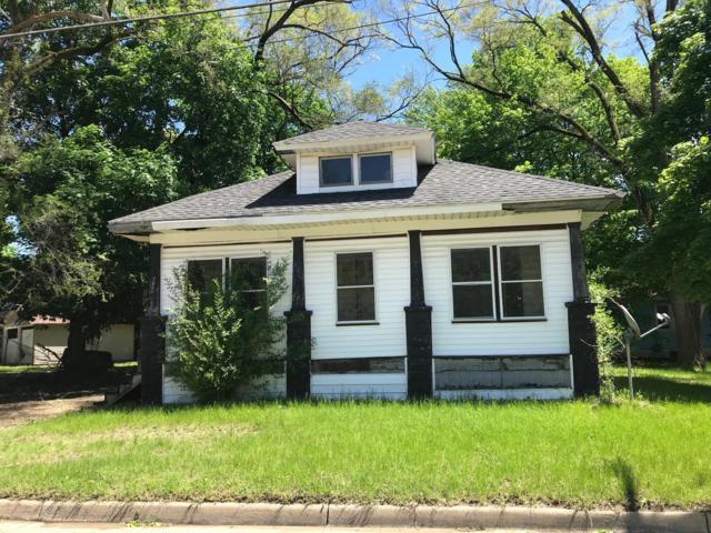 207 S Lowe Street, Dowagiac, MI 49047 (MLS #19023474) :: CENTURY 21 C. Howard