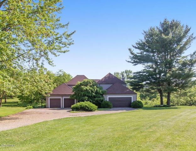 280 Fairway Court A, Plainwell, MI 49080 (MLS #19024616) :: Matt Mulder Home Selling Team