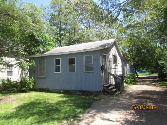 1065 Superior Street, Benton Harbor, MI 49022 (MLS #19025781) :: Deb Stevenson Group - Greenridge Realty