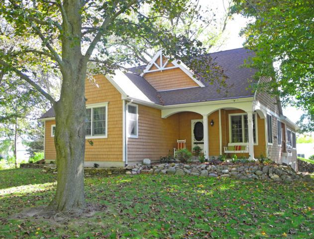 10343 W R S Avenue, Mattawan, MI 49071 (MLS #19026305) :: Matt Mulder Home Selling Team
