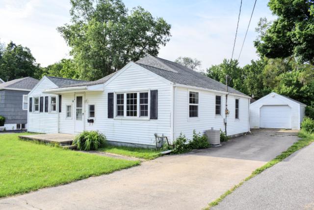 714 E Prairie Ronde Street, Dowagiac, MI 49047 (MLS #19026509) :: CENTURY 21 C. Howard