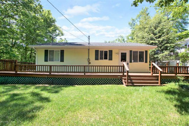 9247 Indian Hills Road, Montague, MI 49437 (MLS #19026640) :: JH Realty Partners