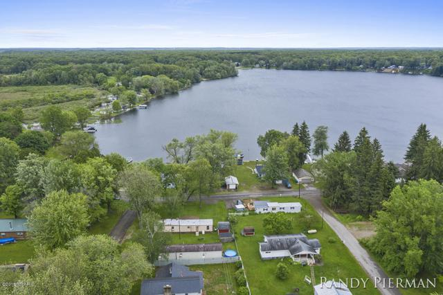 2961 N Redwing Road, White Cloud, MI 49349 (MLS #19027030) :: Deb Stevenson Group - Greenridge Realty