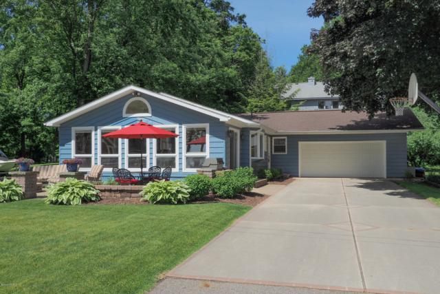 10517 Wildwood Drive, Richland, MI 49083 (MLS #19027259) :: Matt Mulder Home Selling Team