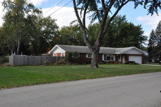 3232 E Valley View Drive, St. Joseph, MI 49085 (MLS #19027261) :: JH Realty Partners