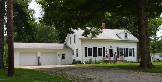 375 N West Street, Hillsdale, MI 49242 (MLS #19027498) :: Deb Stevenson Group - Greenridge Realty