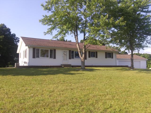 31288 64th Avenue, Lawton, MI 49065 (MLS #19027829) :: Matt Mulder Home Selling Team