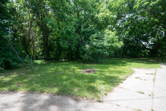 2221 May Avenue SW, Grand Rapids, MI 49507 (MLS #19028159) :: JH Realty Partners