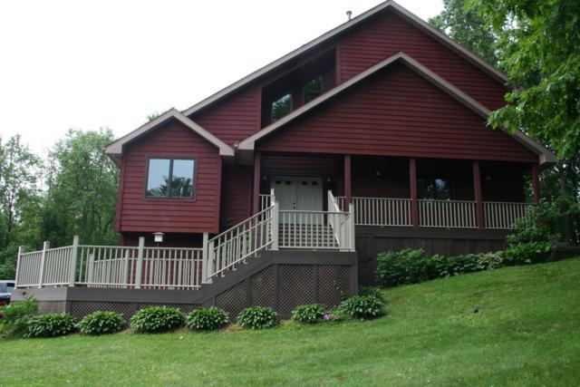 196 Country Club Boulevard, Plainwell, MI 49080 (MLS #19028208) :: Matt Mulder Home Selling Team