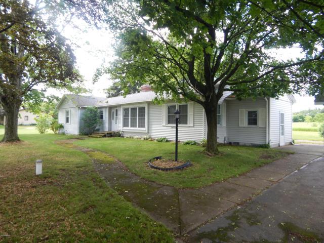 175 E 120th Street, Grant, MI 49327 (MLS #19028246) :: Deb Stevenson Group - Greenridge Realty