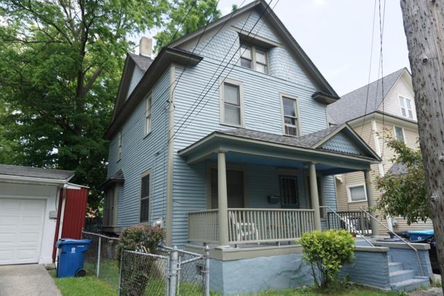 412 W Vine Street, Kalamazoo, MI 49001 (MLS #19028262) :: CENTURY 21 C. Howard