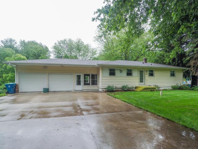 326 S Wattles Road, Battle Creek, MI 49014 (MLS #19028655) :: Matt Mulder Home Selling Team