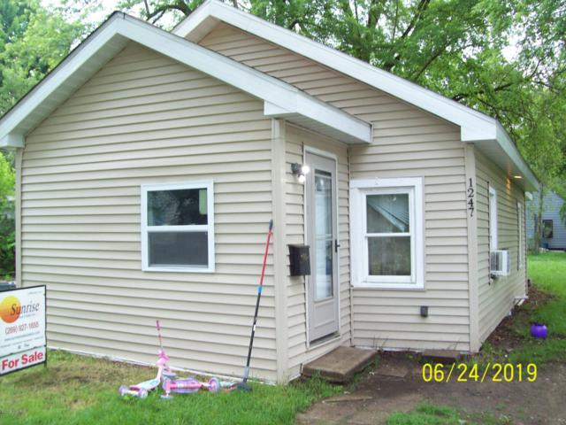 1247 Pavone Street, Benton Harbor, MI 49022 (MLS #19029090) :: Deb Stevenson Group - Greenridge Realty