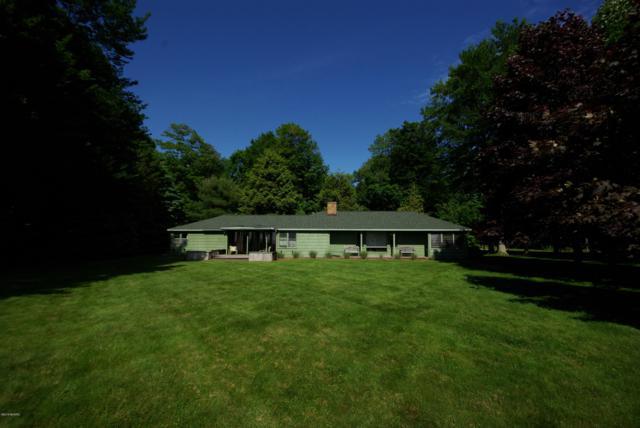 3553 N Scenic Drive, Muskegon, MI 49445 (MLS #19029210) :: Deb Stevenson Group - Greenridge Realty
