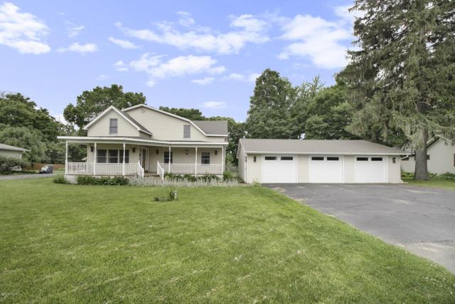 4132 River Road, Sodus, MI 49126 (MLS #19029248) :: Deb Stevenson Group - Greenridge Realty