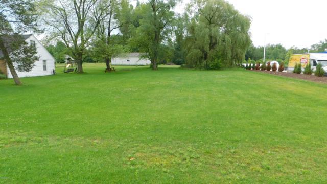 332 Apache Drive, Fremont, MI 49412 (MLS #19029941) :: Deb Stevenson Group - Greenridge Realty