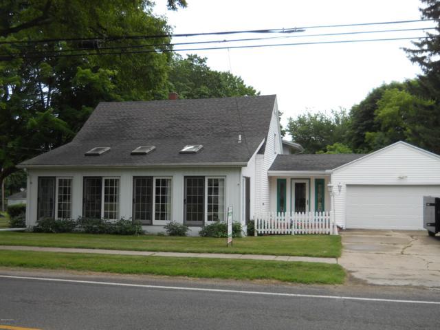 405 S First Street, Edmore, MI 48829 (MLS #19030165) :: CENTURY 21 C. Howard