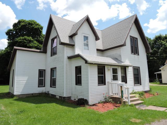 401 E Allegan Street, Otsego, MI 49078 (MLS #19030262) :: Matt Mulder Home Selling Team