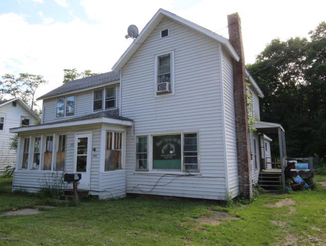 206 S Lowe Street, Dowagiac, MI 49047 (MLS #19030460) :: Deb Stevenson Group - Greenridge Realty