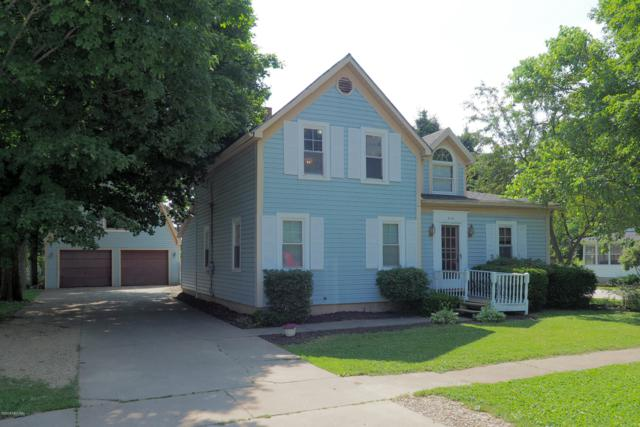 410 N Cedar Street, Schoolcraft, MI 49087 (MLS #19030813) :: Matt Mulder Home Selling Team