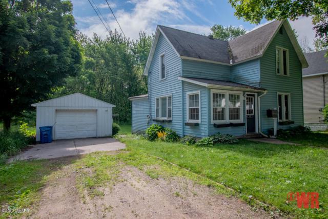 422 S Union, Hart, MI 49420 (MLS #19030903) :: Deb Stevenson Group - Greenridge Realty