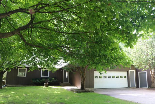 20405 Mack Drive, Big Rapids, MI 49307 (MLS #19030911) :: Matt Mulder Home Selling Team