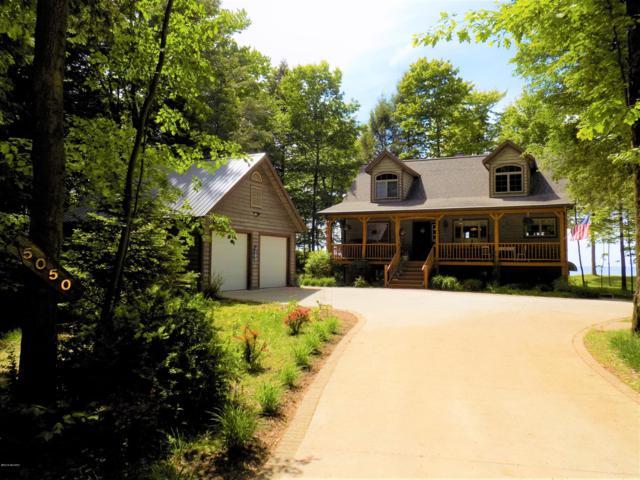 5050 Fox Farm Road, Manistee, MI 49660 (MLS #19030998) :: Deb Stevenson Group - Greenridge Realty