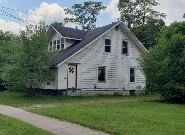 208 S Lowe Street, Dowagiac, MI 49047 (MLS #19031085) :: Deb Stevenson Group - Greenridge Realty
