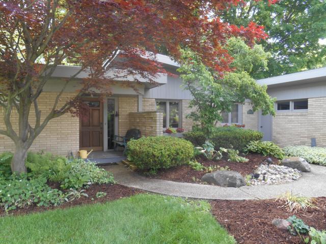 224 Southwoods Avenue, Fremont, MI 49412 (MLS #19031110) :: Deb Stevenson Group - Greenridge Realty