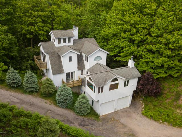 6973 Lakeshore Drive, Pentwater, MI 49449 (MLS #19031262) :: Deb Stevenson Group - Greenridge Realty