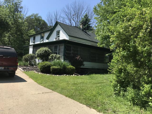1734 65th Street, Fennville, MI 49408 (MLS #19031596) :: Deb Stevenson Group - Greenridge Realty