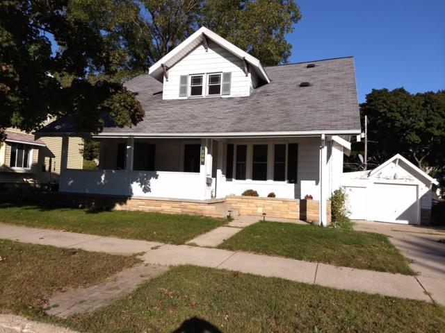 208 N Robert Street, Ludington, MI 49431 (MLS #19031807) :: Deb Stevenson Group - Greenridge Realty