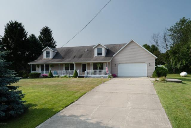 7116 Lake Forest Drive, South Haven, MI 49090 (MLS #19031992) :: Deb Stevenson Group - Greenridge Realty