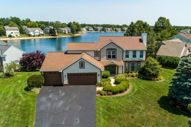 365 Silveridge Drive, Holland, MI 49424 (MLS #19032369) :: Deb Stevenson Group - Greenridge Realty
