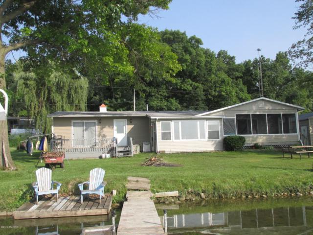 246 Flint Haven Road, Coldwater, MI 49036 (MLS #19032378) :: Deb Stevenson Group - Greenridge Realty