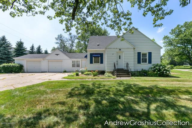 11325 60th Avenue, Allendale, MI 49401 (MLS #19032467) :: Deb Stevenson Group - Greenridge Realty