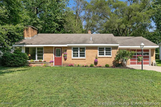 3126 Locke Avenue SW, Grandville, MI 49418 (MLS #19032750) :: JH Realty Partners