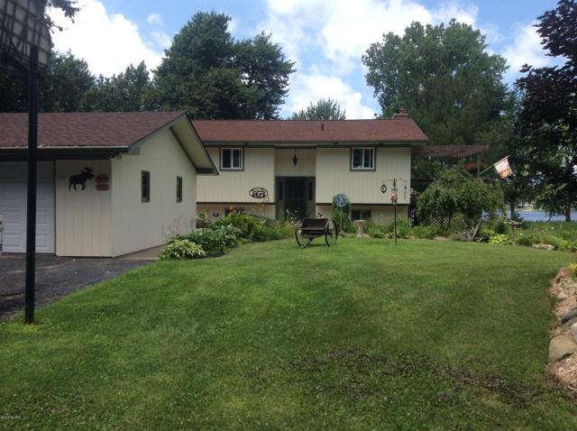 8273 Cowan Lake Drive NE, Rockford, MI 49341 (MLS #19032864) :: JH Realty Partners