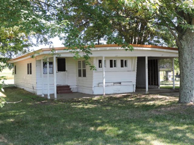 882 W Colon Road, Bronson, MI 49028 (MLS #19032904) :: Deb Stevenson Group - Greenridge Realty