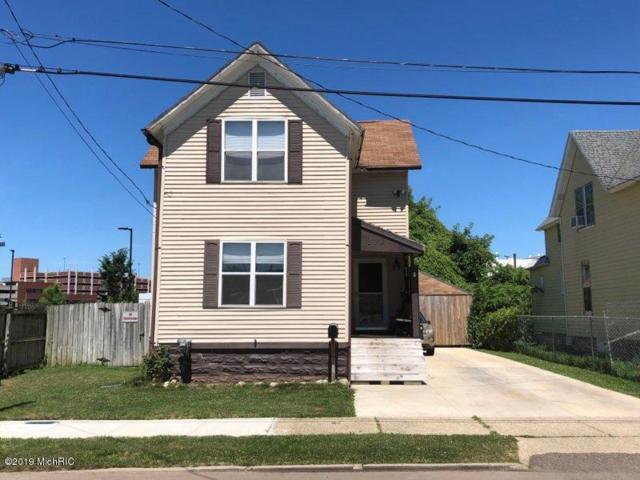 539 E Dutton Street, Kalamazoo, MI 49007 (MLS #19033026) :: Deb Stevenson Group - Greenridge Realty