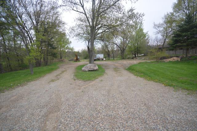1411 W Centre Avenue, Portage, MI 49024 (MLS #19033044) :: Deb Stevenson Group - Greenridge Realty
