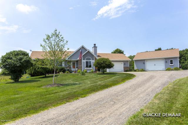 15575 40th Avenue Avenue, Coopersville, MI 49404 (MLS #19033102) :: Deb Stevenson Group - Greenridge Realty
