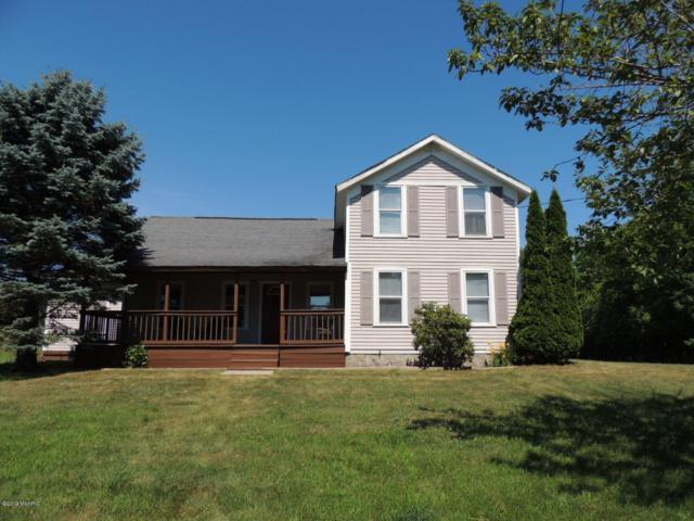 6561 122nd Avenue, Fennville, MI 49408 (MLS #19033119) :: Deb Stevenson Group - Greenridge Realty